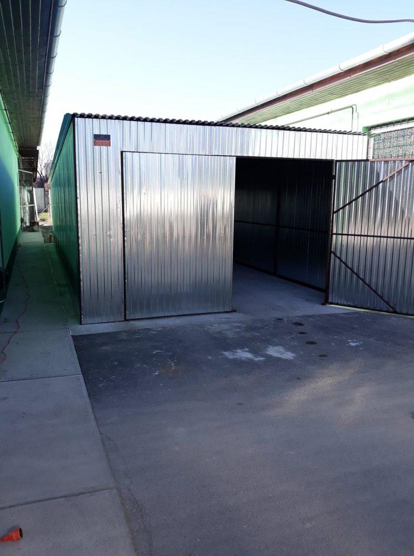 Plechová garáž so spádom strechy dozadu 4x10 Cinkbevonatos