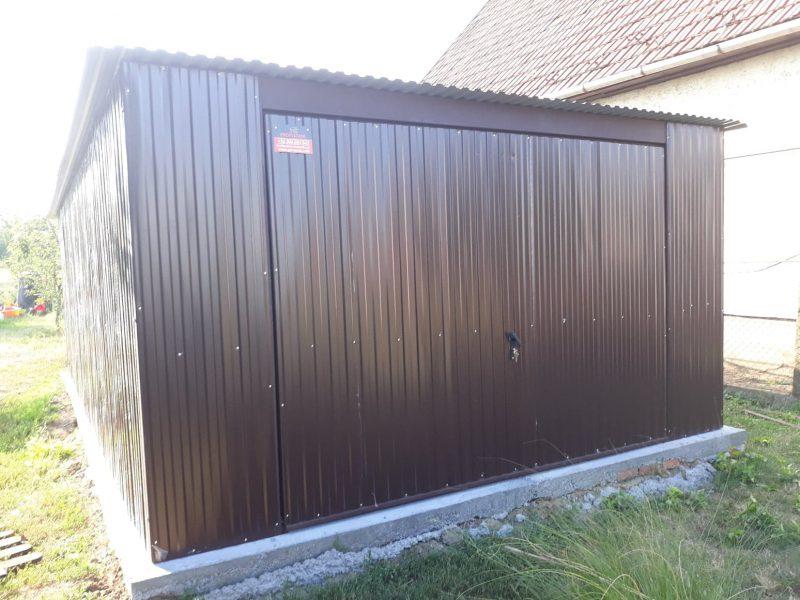 Plechová garáž so spádom strechy dozadu 4x6 RAL 8017
