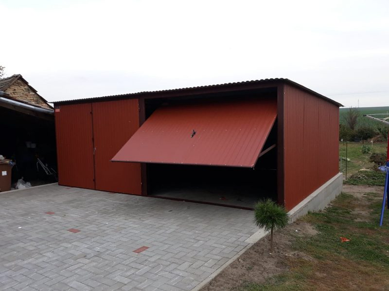 Plechová garáž so spádom strechy dozadu 6x5 RAL BTX 8004
