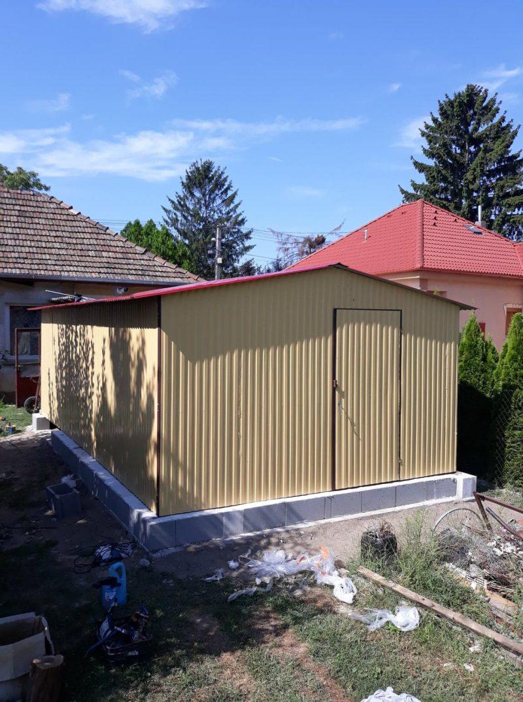 Plechová garáž sedlová strecha 4x7 RAL 1002